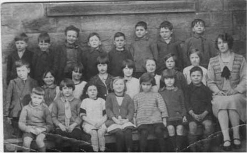 Photograph of Crich Carr pupils c1926