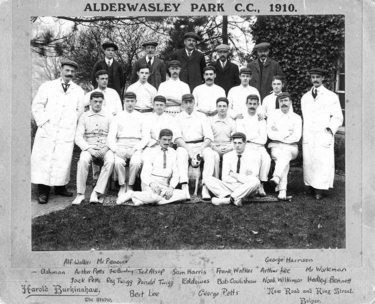 Photo of lderwasley Cricket team in 1910
